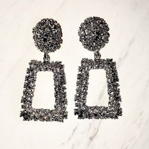 Zara raised metal earrings